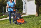 Best Lawn Mower for a Woman to Use